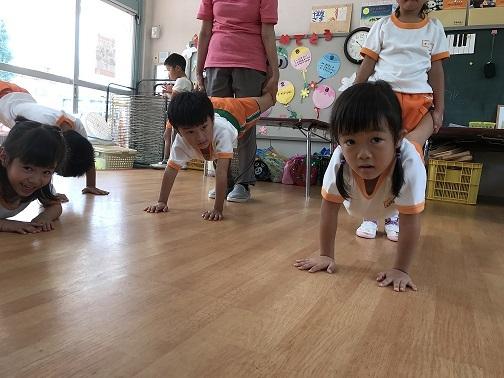 高知幼稚園組み体操練習